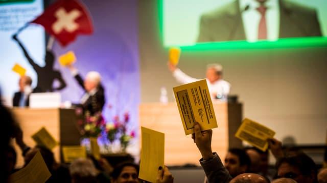 Votaziun dals delegads da la PPS en il Vallais - 248 delegads èn stads cunter il referendum e mo 5 persuenter.