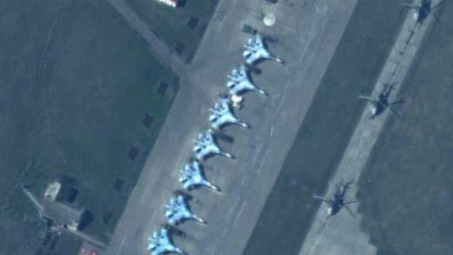 Kampfflugzeuge auf einem russischen Stützpunkt im Südosten des Landes. (Archiv)