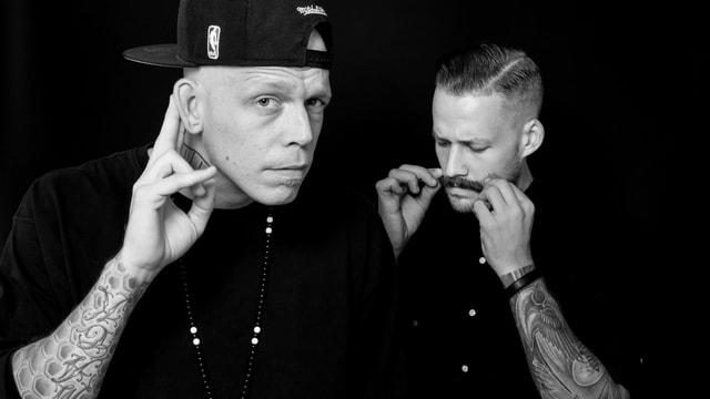 schwarzweiss bild zweier Rapper