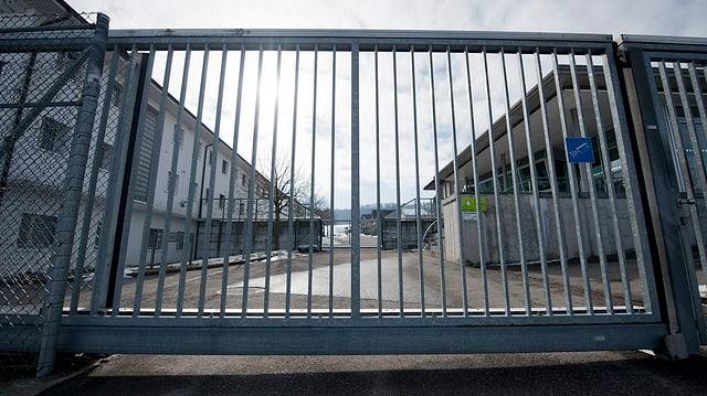Eingangstor des Gefängnisses Hindelbank