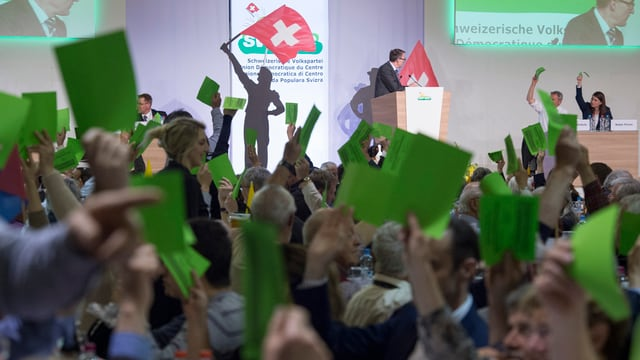 La PPS ha decidì las parolas per ils 5 da zercladur - ils delegads tegnan si lur scrit da votar verd
