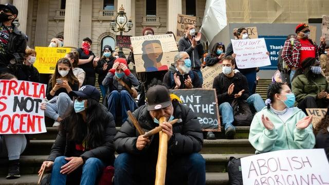 Black Lives Matter in Melbourne am 6. Juni: Protest gegen die Todesfälle von Ureinwohnern in Polizeihaft.