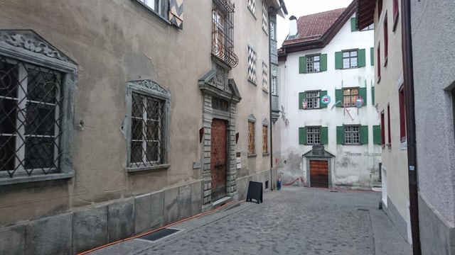 Ils biros da la Lia Rumantscha a Glion sa chattan en la Städlistrasse, gist sper il Museum Regiunal Surselva.