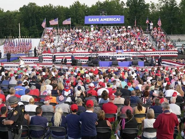 Rund 5000 Trump Anhänger kamen nach Wellington im Bundesstaat Ohio.