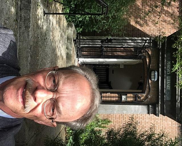 Martin Alioth vor der Marsh-Bibliothek, wo sich auch James Joyce inspirieren liess.