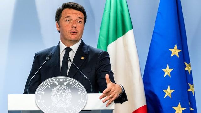 Matteo Renzi tegn in pled.
