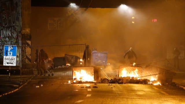 Barricadas che brischan a Berna.