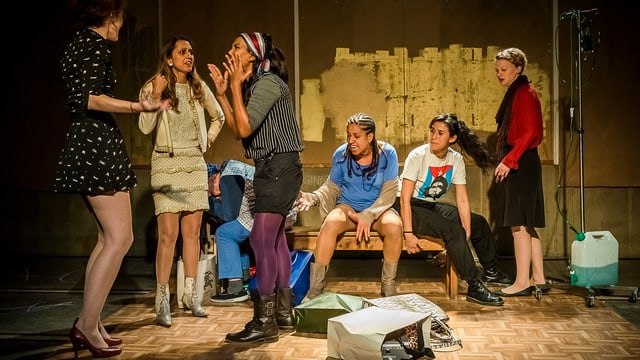 Ausschnitt aus der Bühnenproduktion «KissKill - Malobas Schwestern».