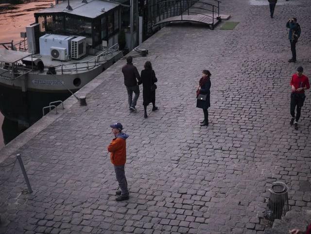 Menschen auf den Strassen Paris