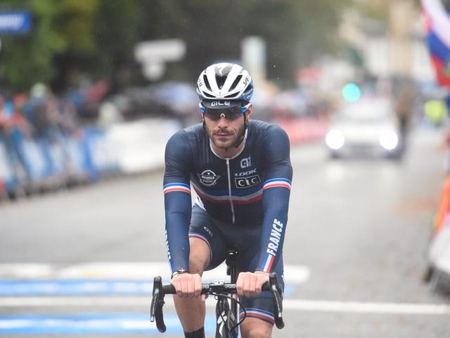 Florian Senechal auf dem Rennrad.