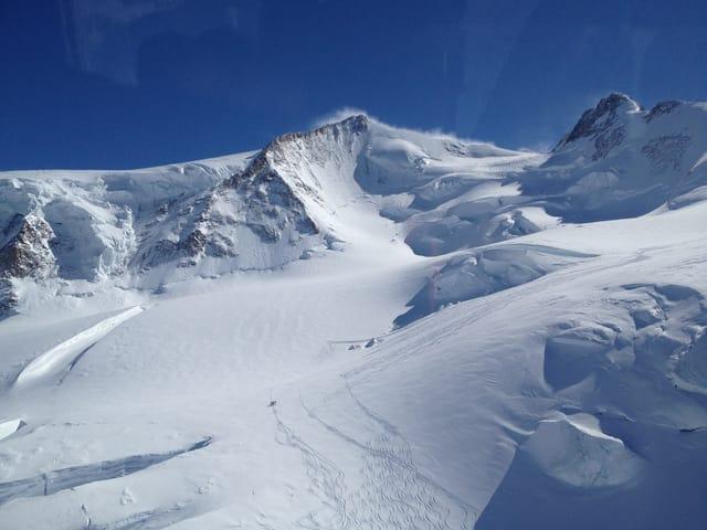 Das Monte-Rosa-Massiv, aufgenommen aus dem Helikopter.