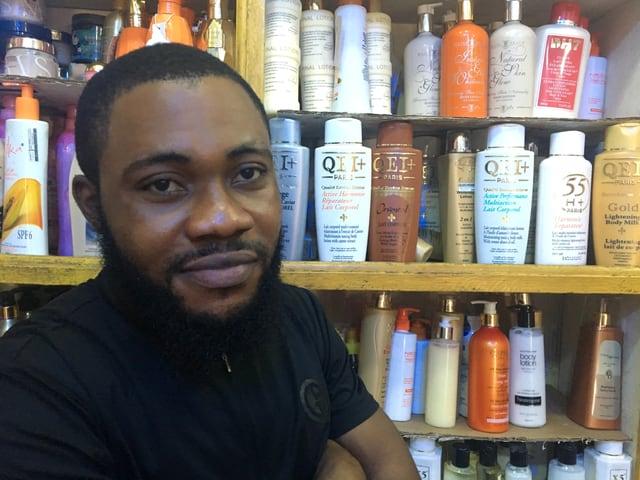 Verkäufer Emeka Nash