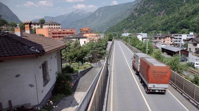 Wo früher die Autobahn mitten durchs Dorf brauste, soll jetzt eine Überbauung entstehen.