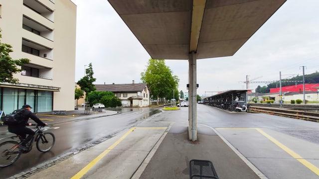 Blick auf den Bahnhofplatz in Sursee.