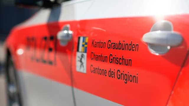 Il logo da la Polizia chantunala dal Grischun vi dad in auto.