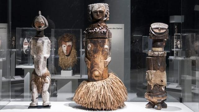 Skulpturen in einer Ausstellung