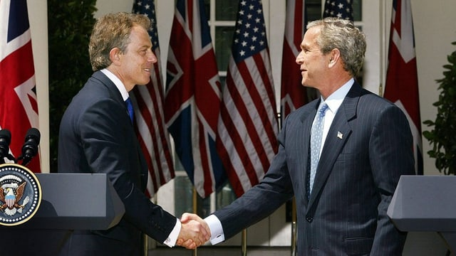Blair e Bush sa dattan il maun