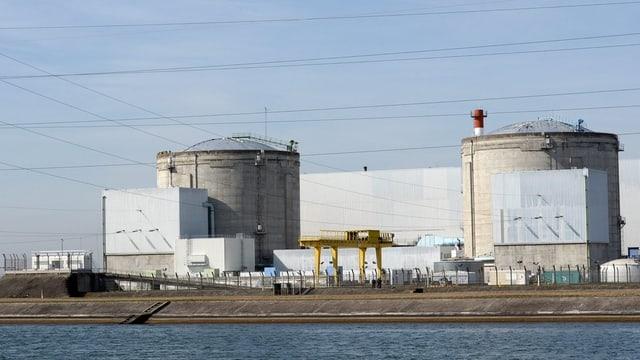 Aufnahme der beiden Reaktoren des AKW Fessenheim.