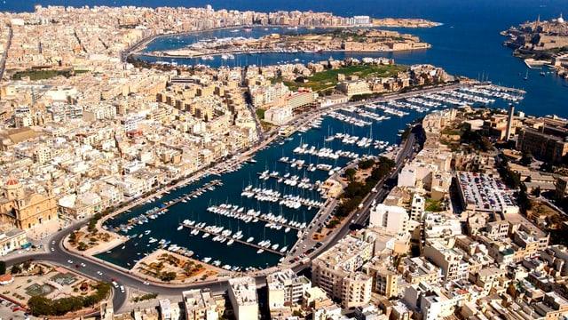 Valletta è la chapitla da la Malta.