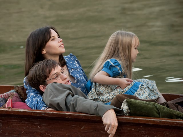 Familie Hawking im Boot.