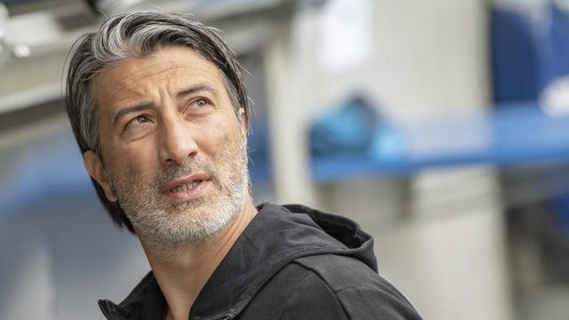 Murat Yakin daventa nov trenader da la naziunala svizra