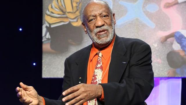 Bill Cosby bei einem Comedy-Auftritt.