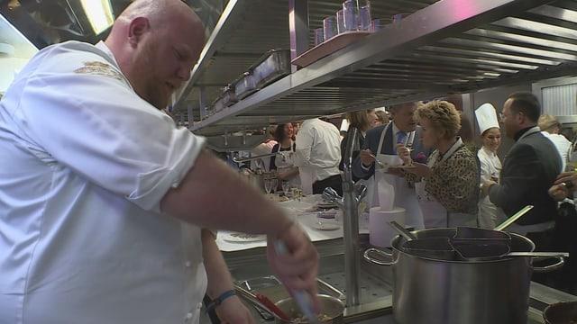 Kitchen Party – l'inscunter cun ils gronds cuschinunzs (Artitgel cuntegn audio)