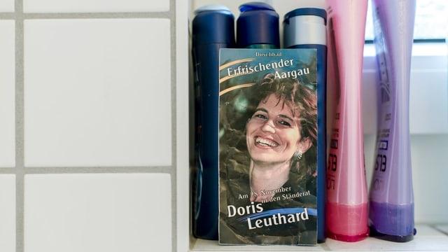 Bild Leuthard in der Dusche.