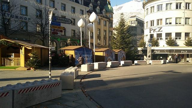 La fiera da Nadal tar l'Alexanderplatz a Cuira.