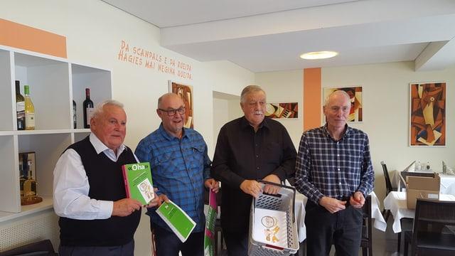 Giusep Capaul, Marius Hublard, Linus Flepp e Bistgaun Cathomen. (da sanester a dretg)
