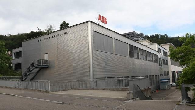 Gebäude der Nukleartechnikerschule in Baden