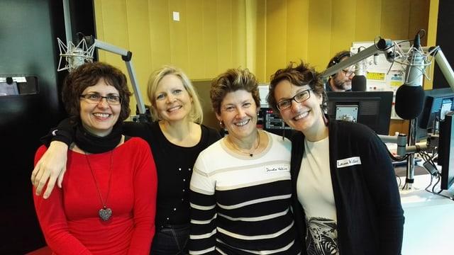 Da sanester: Bettina Secchi-Fluor (RSI), Romana Costa (SRF), Donata Vallino e Laura Keller (RTS).