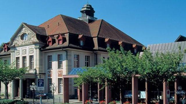 Das Theater Casino Zug von vorne abgebildet.