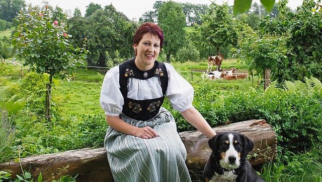 Video ««SRF bi de Lüt – Landfrauenküche» (2): Lotti Baumann» abspielen