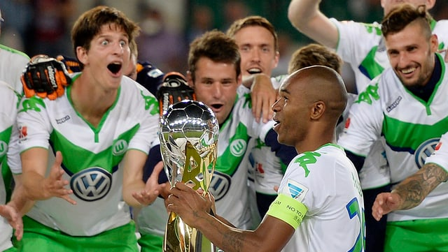 Giugaders dal club da ballape Wolfsburg.