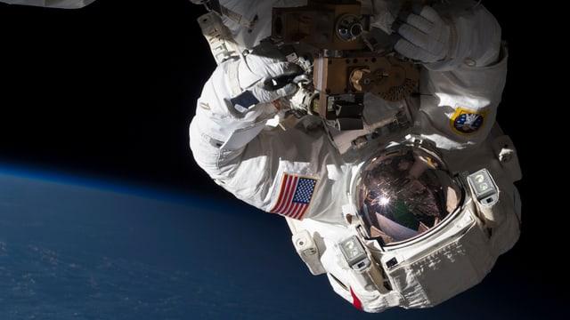 Chris Cassidy im Weltraum.