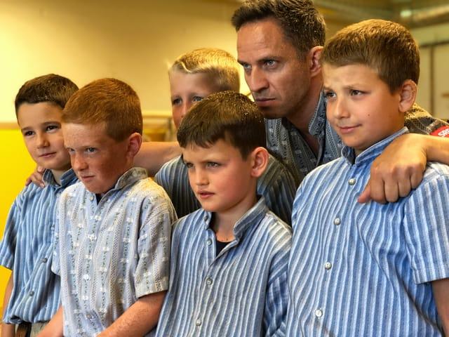 Die Kinder der Schwingersektion Hasliberg schauen grimmig.