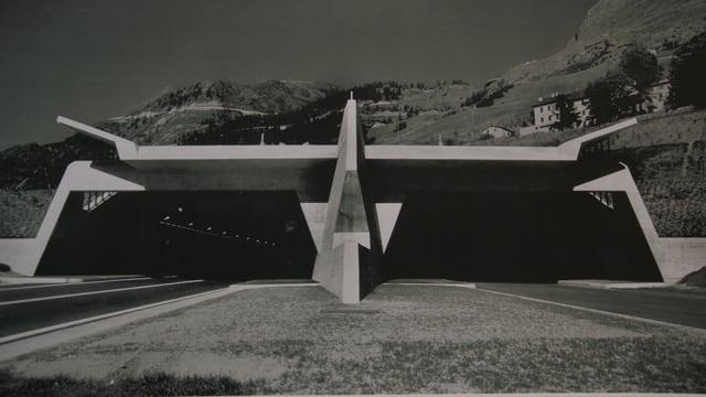 Das Tunnelportal in Airolo.