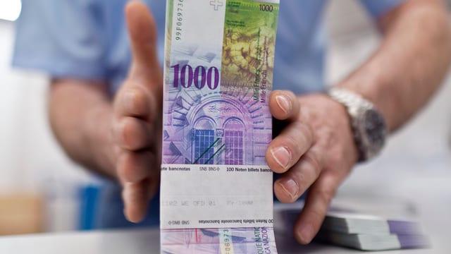 Geld, 1000er Noten Bündel