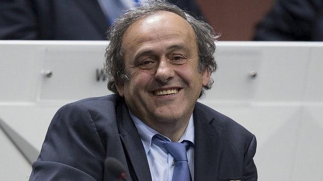 Michel Platini il schef da l'UEFA candidescha sco president da la FIFA.