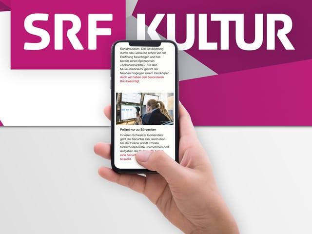 Eine Hand hält ein Smartphone, darüber der Schriftzug von SRF Kultur.