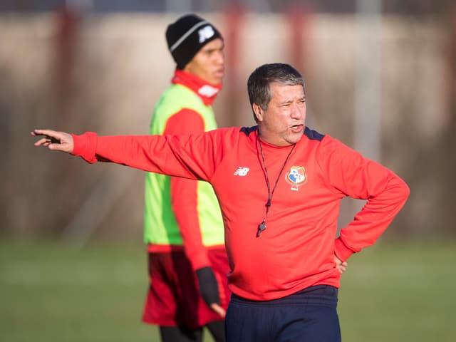 Panama-Coach Hernan Dario Gomez im Training seiner Mannschaft.