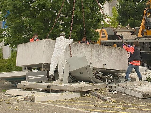 Investigations after the demolition