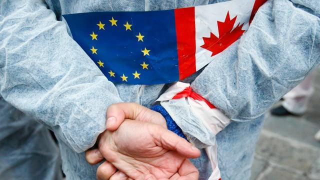In demonstrant ch'è cunter la cunvegna Ceta da l'UE cun il Canada.