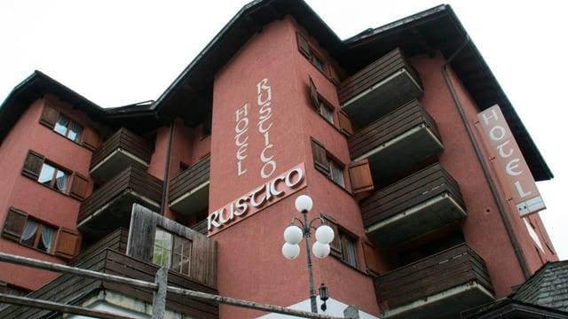 Il center per requirents d'asil Rustico a Laax.