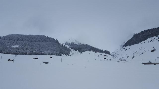 vista en Val Pulanera nua che l'alarm da lavinas è vegnì activà
