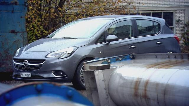 Video «Opel Corsa, Steinschlag in der Scheibe, Weltreise mit Oldtimer» abspielen