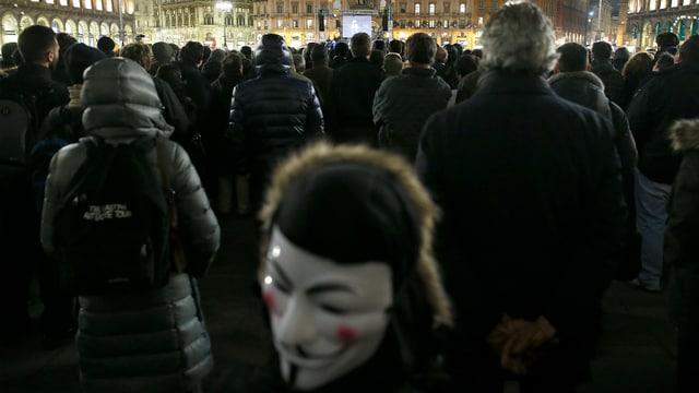 Veranstaltung der 5-Sterne-Bewegung 2013 auf dem Domplatz in Mailand.