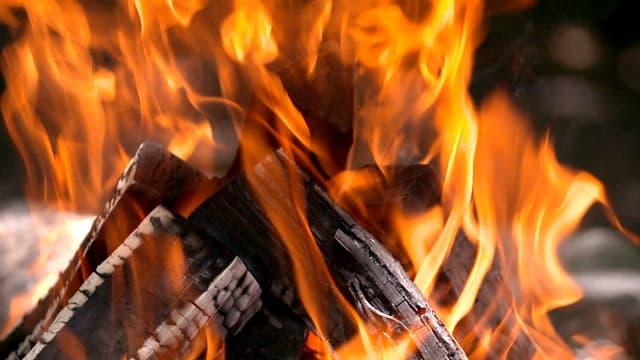 Video «Besessen vom Essen: «Kulturplatz» spielt mit dem Feuer» abspielen