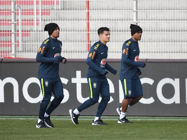 Gabriel Jesus, Philippe Coutinho und Douglas Costa